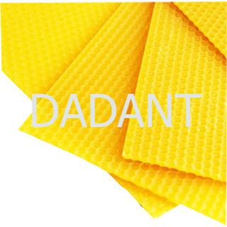 standard-gestempeltes-wachsblatt-dadant-ud